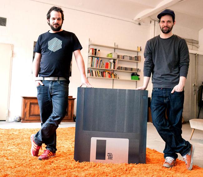 FLOPPYTABLE* Axel Van Exel & Marian Neulant img 02