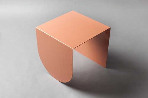 2-David-Tarcali-Budapest-Studio-Nomad-table