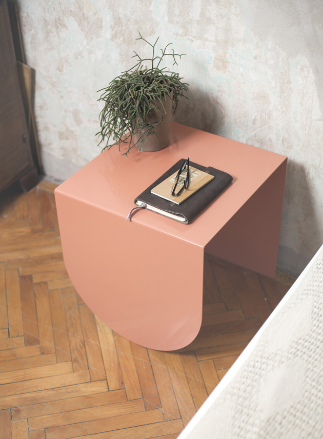 3-table-David-Tarcali-Budapest-Studio-Nomad