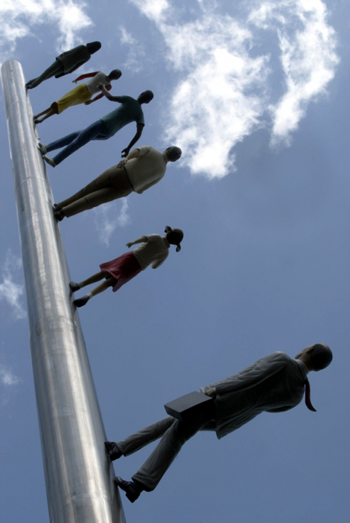 Walking to the sky * Jonathan Borofsky  Walking to the sky * Jonathan Borofsky NGL 18walkingNEW 1100 copy