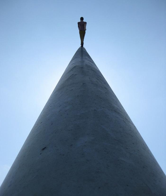 Walking to the sky * Jonathan Borofsky  Walking to the sky * Jonathan Borofsky borofsky 6 900x1200 copy