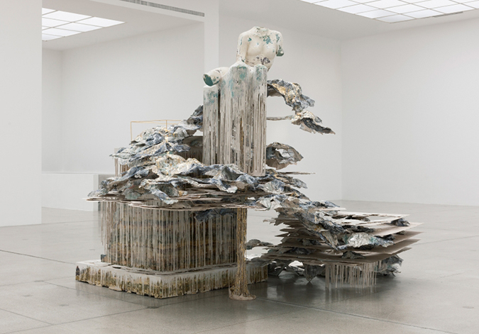 Extreme and impossible sculptures diana al hadid for Architecture impossible