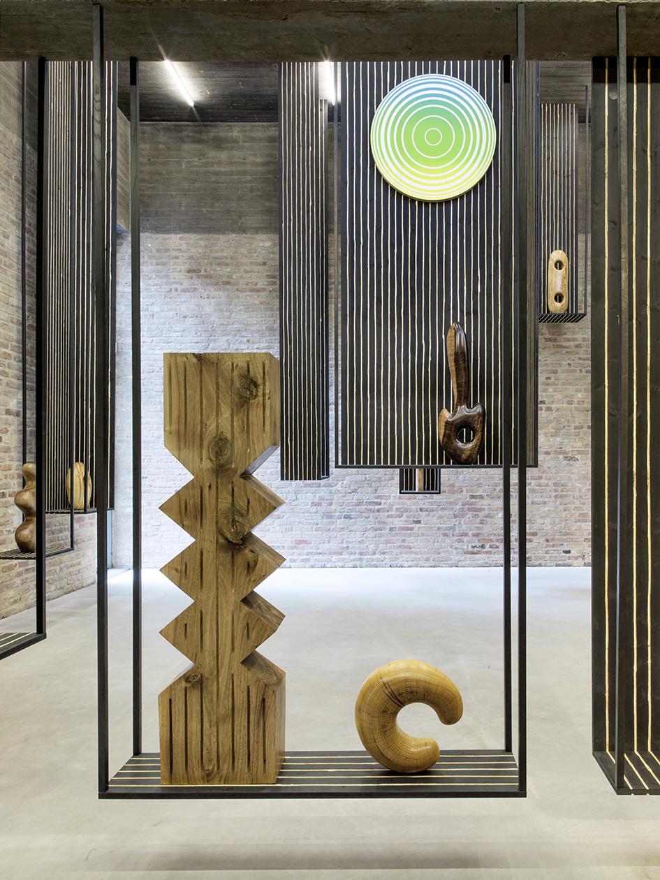 KÖNIG GALERIE * Contemporary Exhibitions claudia comte KÖNIG GALERIE * Claudia Comte 3113cfd0fcb44ddc
