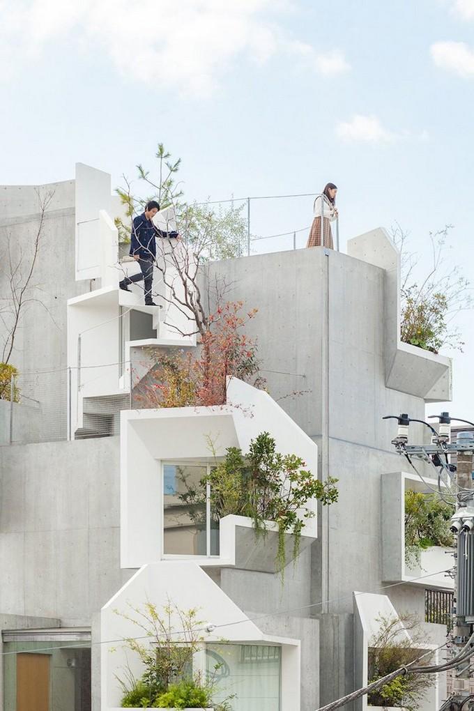 A Vertical Garden Home in Tokyo Merges Nature with the Concrete Jungle  Vertical Garden Home A Vertical Garden Home in Tokyo Merges Nature with the Concrete Jungle A Vertical Garden Home in Tokyo Merges Nature with the Concrete Jungle 2