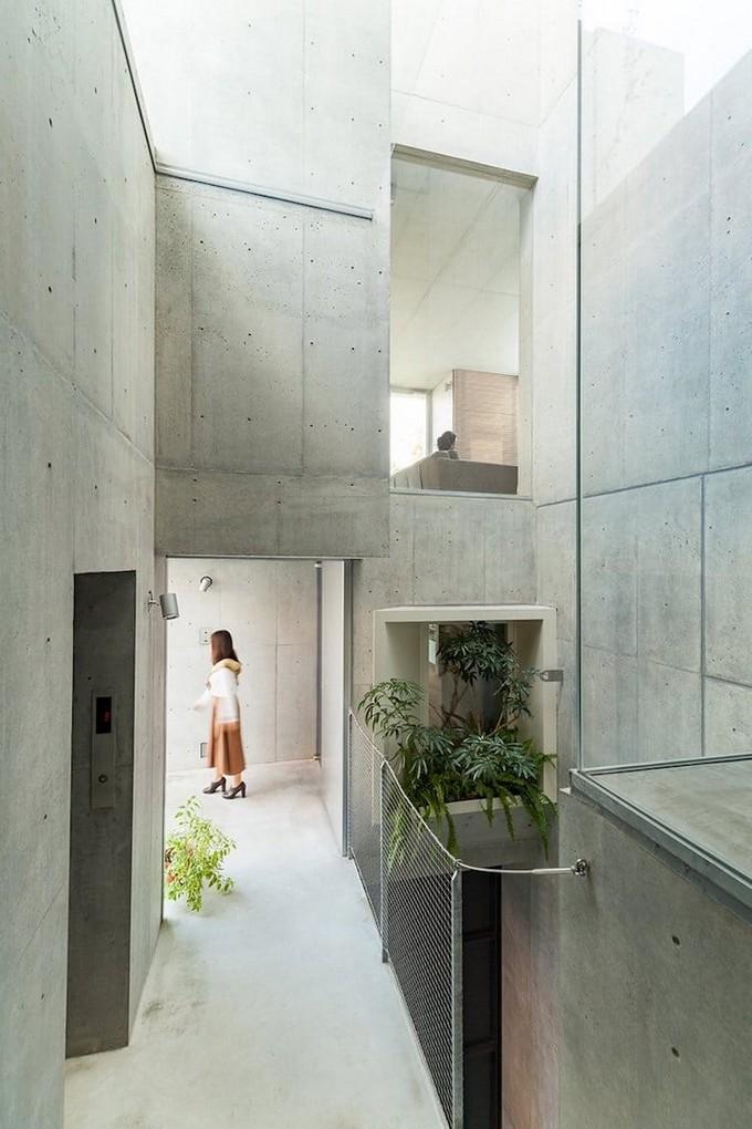 A Vertical Garden Home in Tokyo Merges Nature with the Concrete Jungle  Vertical Garden Home A Vertical Garden Home in Tokyo Merges Nature with the Concrete Jungle A Vertical Garden Home in Tokyo Merges Nature with the Concrete Jungle 6