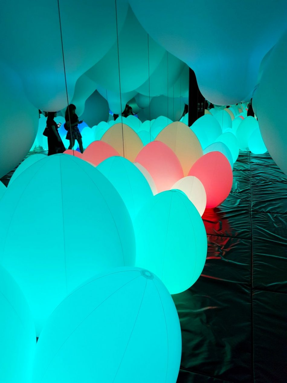 teamlab Exploring teamLab Borderless: a digital art museum in Tokyo, Japan teamLab Borderless 39