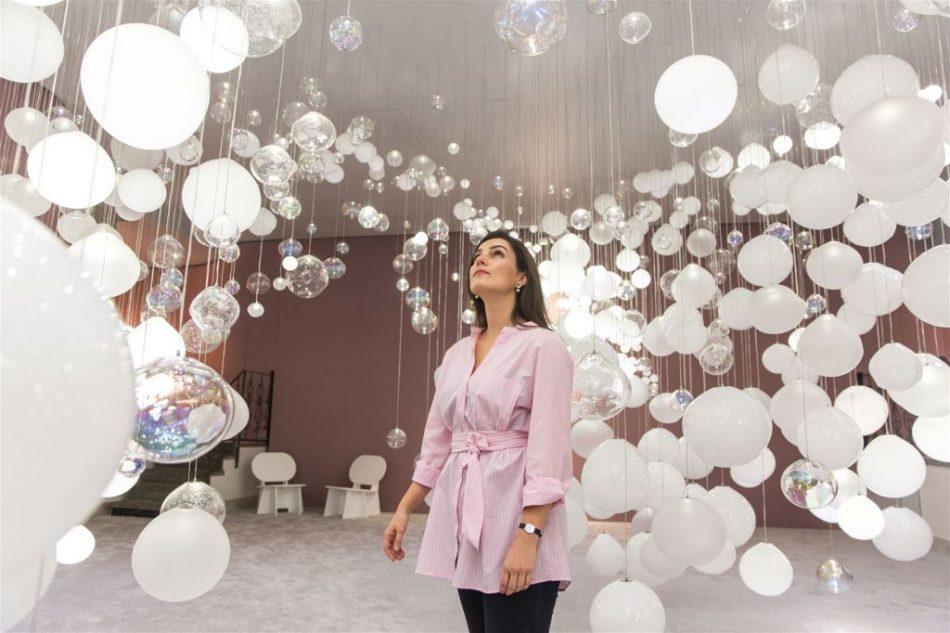 breath of light Breath of Light: Preciosa's Playful Interaction with Glass Bubbles preciosa 3