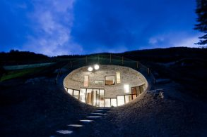 Christian Müller's buried hillside Hole House