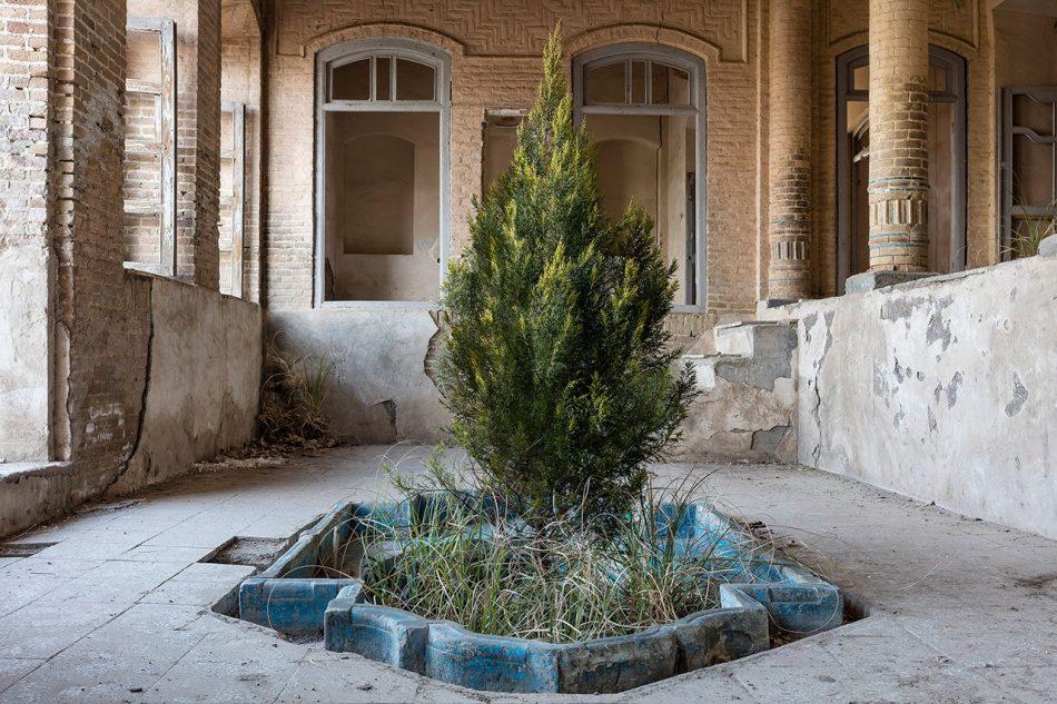 gohar Gohar Dashti's Photographic Elegy on Abandoned Houses Gohar Dashtis 2