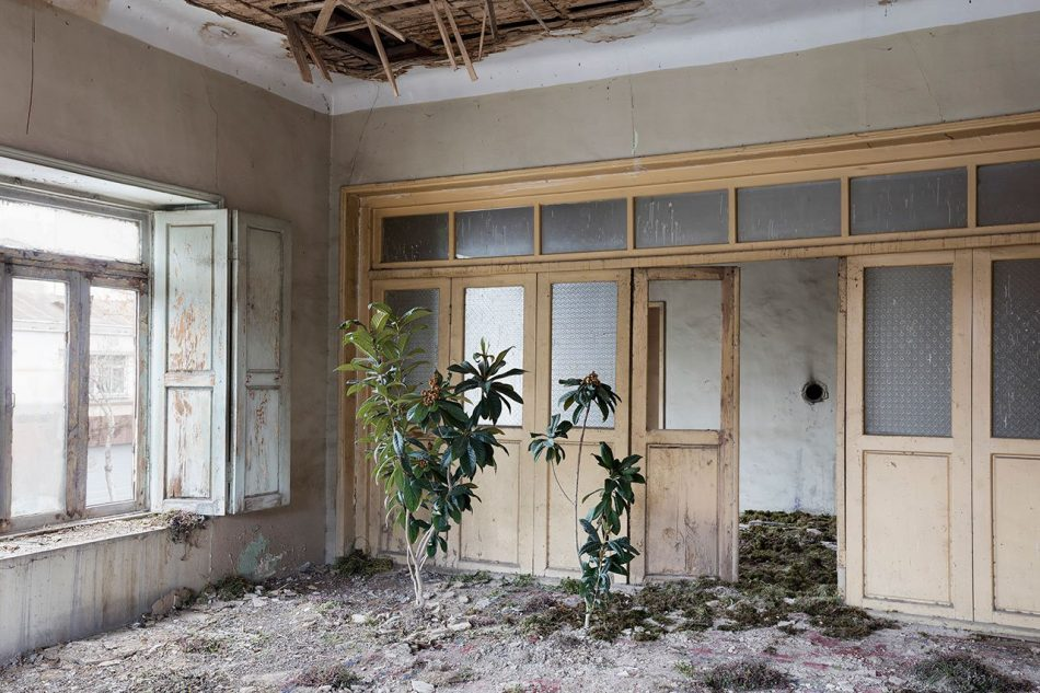gohar Gohar Dashti's Photographic Elegy on Abandoned Houses Gohar Dashtis 6