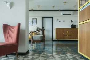 muselab MuseLAB Tiles an Apartment with 21st-Century Art Deco Sophistication muselab tiles an apartment in mumbai with 21st century art deco sophistication 6 293x195