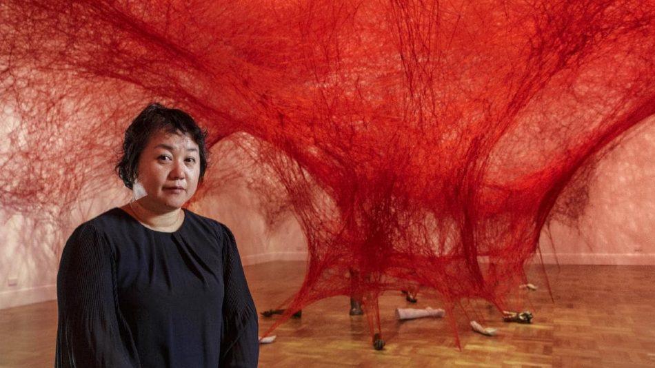 [object object] Chiharu Shiota weaves an amazing Japanese installation chiharu shiota weaves amazing japanese installation 7